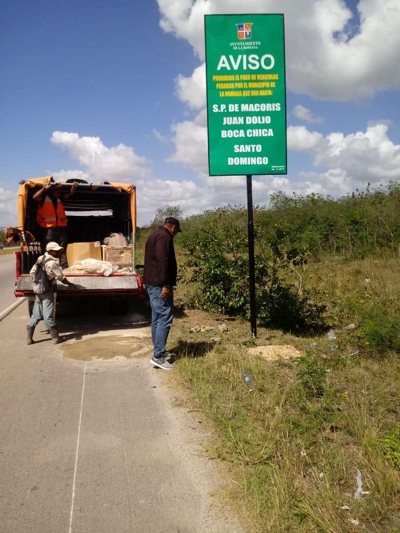 Ayuntamiento advierte sobre  prohibición cruce de vehículos pesados La Romana