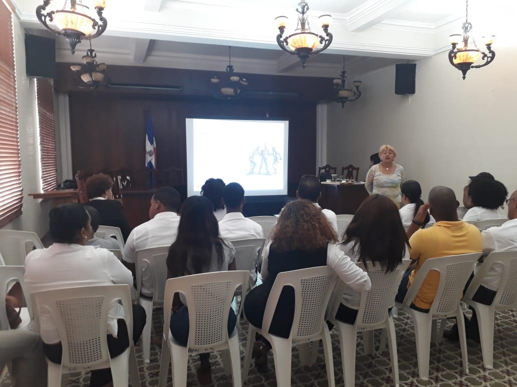 Continúa  capacitación en Gestión y solución de conflictos  a empleados ayuntamiento de La Romana