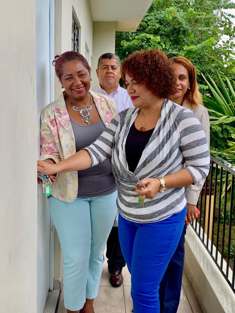 Alcaldía de La Romana recibe llaves del Centro Vocacional para Madres en Condiciones Vulnerables