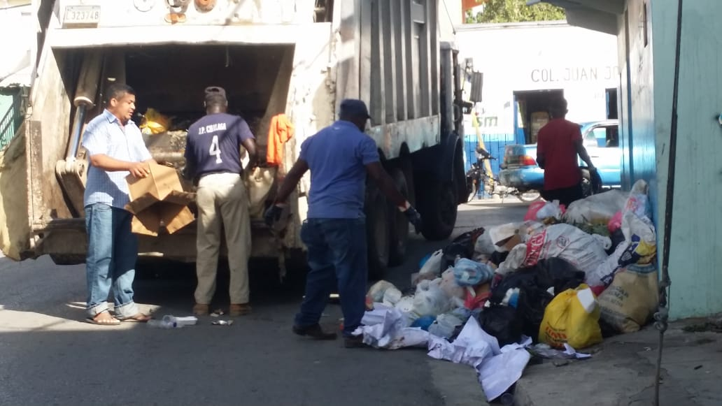 Ayuntamiento de La Romana continúa este jueves  amplio operativo  recolección desechos sólidos