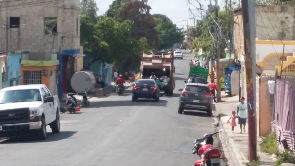 Continúa   este martes operativo de limpieza en la ciudad